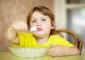 Introduzir alimentos novos na dieta do seu filho pode resultar numa birra insuportável. A perceção dos sabores é o resultado de uma série complexa de estímulos que são alterados com a experiência de novos sabores. Para que o faça da melhor forma, veja de seguida as sugestões do nutricionista Alexandre Fernandes.