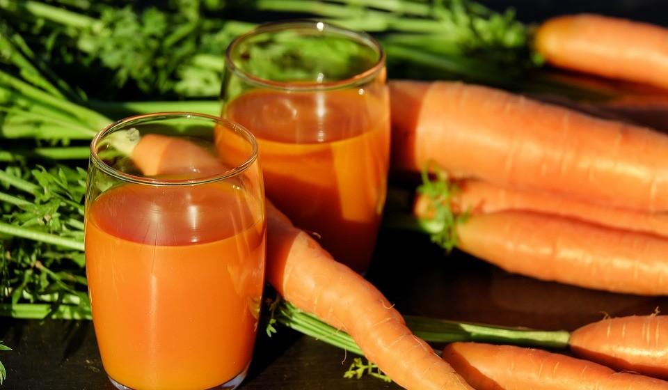 Cenouras - Alguns estudos encontraram uma associação entre o consumo de cenouras e a diminuição do risco de cancro da próstata, pulmão e estômago.