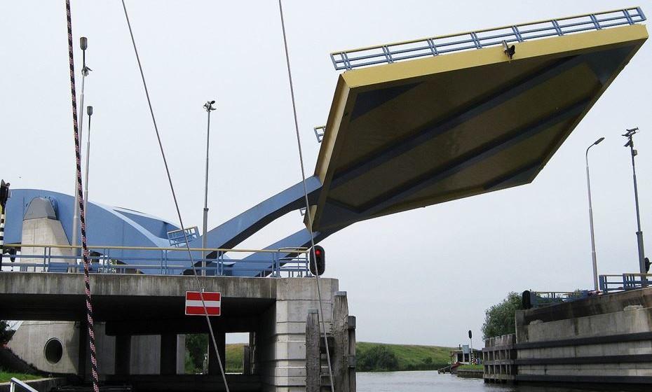 Ponte Slauerhoffbrug, Leeuwarden, Holanda