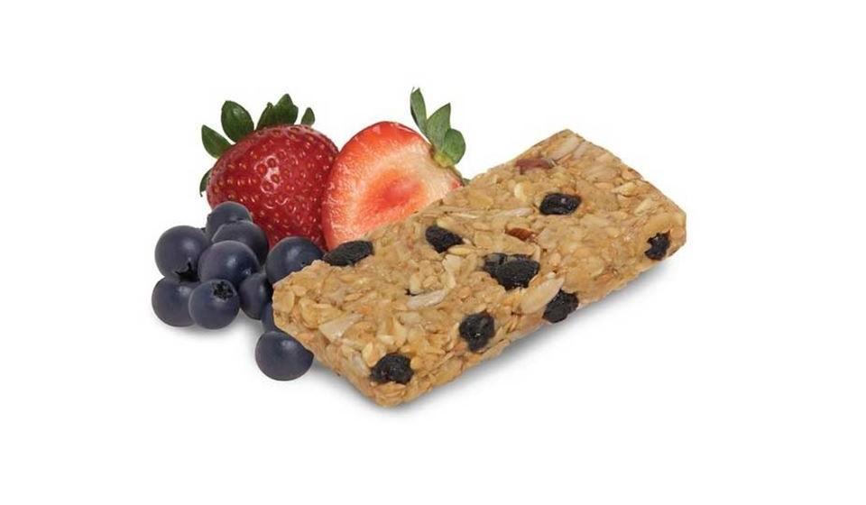 Nem todas as barras de snack são saudáveis, mas existem muitas opções saudáveis que pode comer em vez de atacar um doce. Tente encontrar uma barra de aveia integral adoçado com frutos secos, mel, xarope de agave ou açúcar de coco.