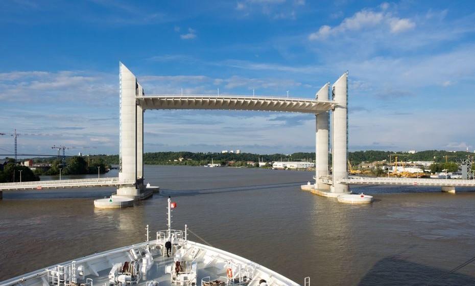 Ponte Jacques Chaban-Delmas, Bordéus, França