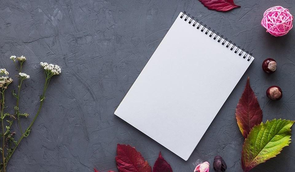 Cumpra uma meta – Escreva numa folha uma meta que pretende alcançar e que lhe sirva de inspiração. Pode ser algo tão simples como um curso de jardinagem. Escreva a meta e os passos que vai dar para a alcançar. Porquê? Porque ao escrever tem 33% mais de hipóteses de a concretizar.