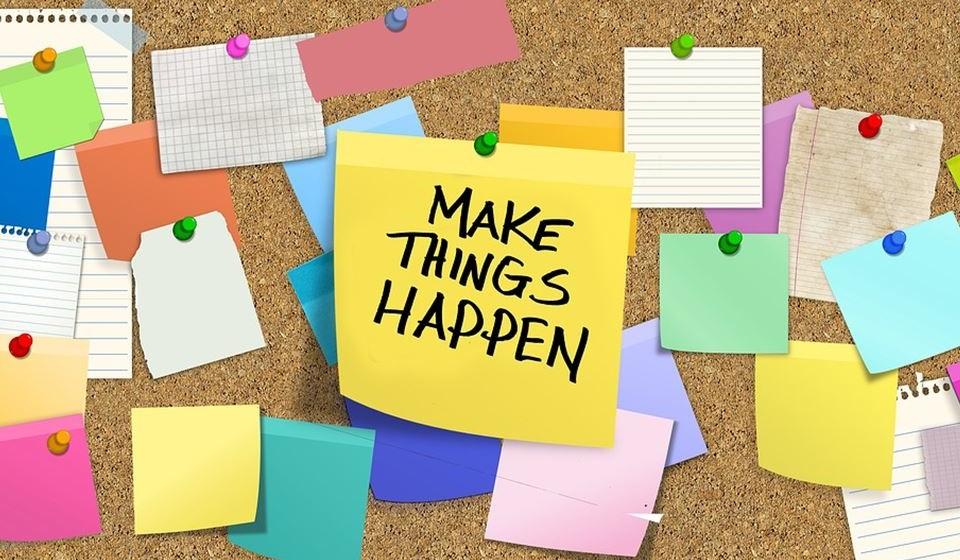 Inspire-se – Coloque post-it à sua volta com frases que o inspiram. Deixe-se envolver por esse estado de espírito e caminhe à procura da sua felicidade.