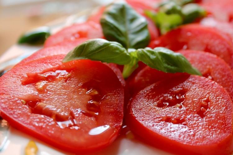 tomate em rodelas