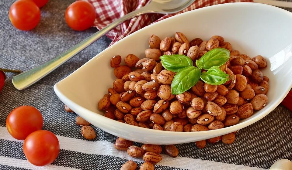 Leguminosas – Esta é uma maneira barata de aumentar a sua ingestão antioxidante. Contêm o antioxidante kaempferol, que tem sido associado a benefícios anticancerígenos em estudos em animais.