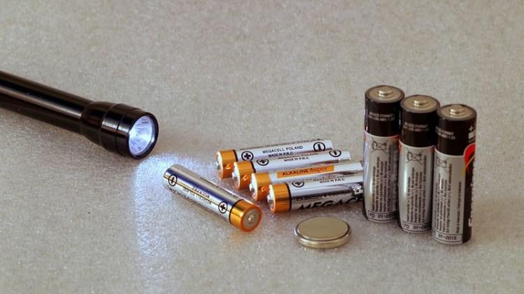 O que fazer a equipamentos e pilhas em fim de vida?