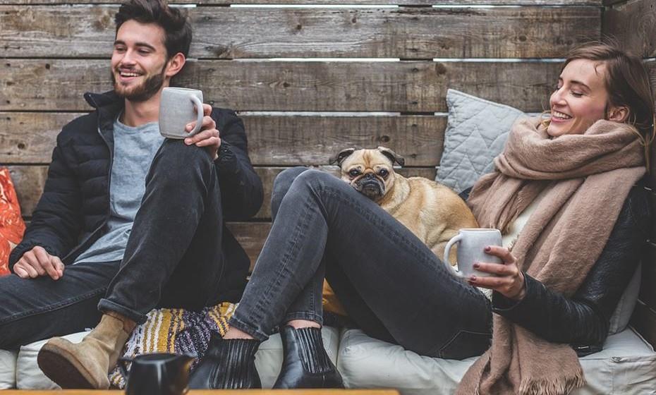 Disponibilidade para uma relação romântica: Quando ambos estão à procura de uma relação romântica e encontram resposta um no outro, há imediatamente um fator comum que pode levar à paixão.
