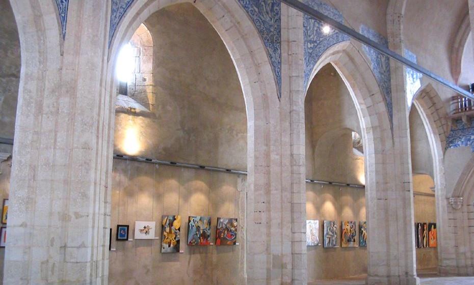 Castelo de Palmela: interior gótico da Igreja de Santiago de Palmela (século XV). Imagem: Wikimedia.