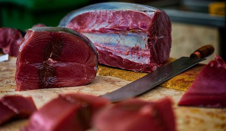 Atum. Tal como o salmão, é um dos peixes com maior concentração de ómega-3 e vitamina B6.