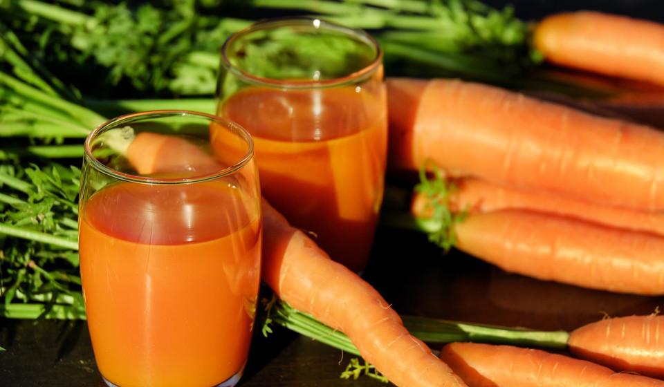Cenouras. Uma cenoura média proporciona-lhe uma quantidade equivalente de vitamina B6 como um copo de leite, mas acrescenta-lhe uma generosa porção de fibra e vitamina A.
