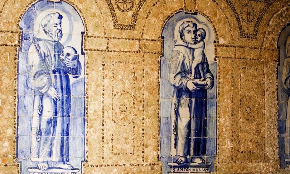 Convento Novo. Azulejos de S. Francisco, Santo António e S. Pedro de Alcântara ©Paula Benito