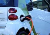 Consumidores querem sociedade a mudar para condução sem emissões poluentes