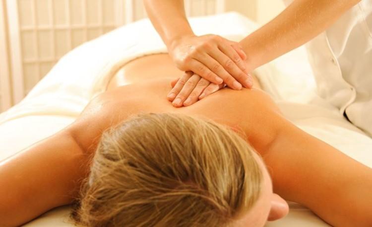 Atletas devem incluir massagens no seu plano de fitness