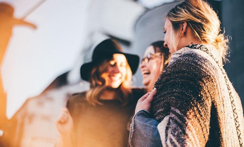"""O sociólogo João Pombeiro da Silva explica que, na atualidade, a maioria das mulheres está a abandonar este costume: """"Apesar de há várias décadas já existirem casos de mulheres que não adotavam o apelido dos cônjuges, nos últimos anos passou a haver uma maioria de mulheres que decidem manter o seu nome de nascença. Os últimos dados indicam uma percentagem acima dos 60%."""""""