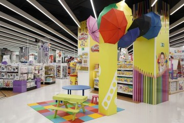 """Toys """"R"""" Us vai abrir 25 lojas com aposta em experiências imersivas"""