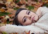 Agora, sim, o outono chegou e exige novos cuidados. Um corte de cabelo novo, rejuvenescer a pele depois das agressões sofridas pelo sol, cuidar dos pés que também estiveram expostos ou rever os tons de maquilhagem para acompanhar as roupas novas são algumas das coisas que se deve fazer agora. Inspire-se na seguinte galeria e prepare-se para o melhor outono da sua vida.