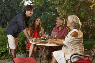 Há diferentes perfis para de turistas culinários e enológicos. É que nem todos têm as mesmas preferências e as suas características e hábitos alimentares podem influenciar os locais que visitam e o que procuram nestes locais. Aqui ficam quatro tipos diferentes de turistas culinários.