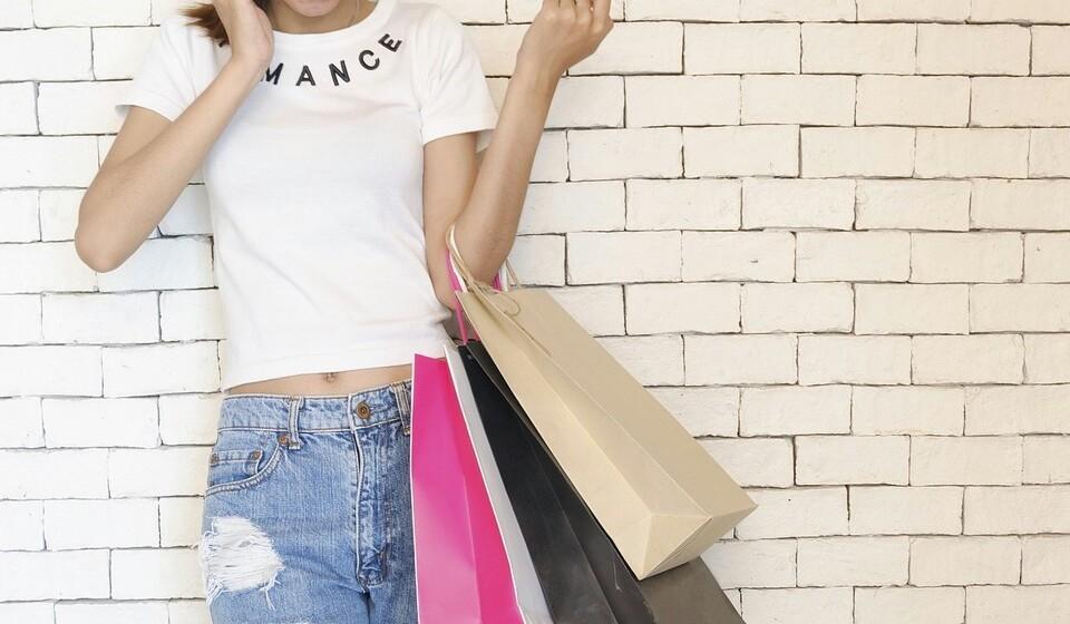 Renove o seu guarda-roupa - Não há nada que torne uma mulher mais feliz do que ir às compras. Logo aproveite o início desta estação para renovar o seu guarda-roupa de outono.