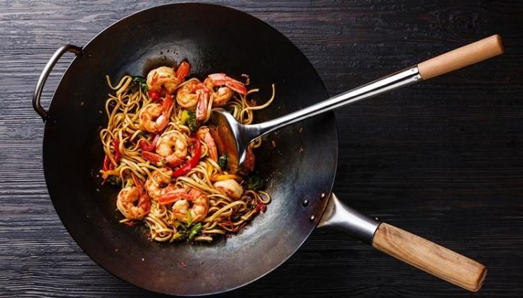 Rápido e saudável? Cozinhe num wok