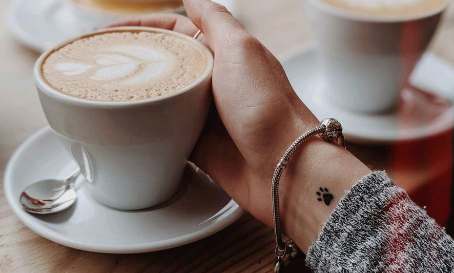 Chegou aquela época do ano em que as bebidas quentes nos revigoram não só o corpo, como a alma. Veja as nossas sugestões de bebidas bem quentinhas e aconchegantes, que ajudam a combater o frio.