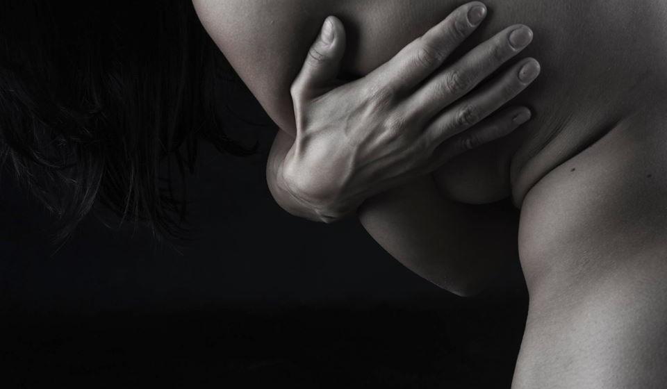 4. Sexo com uma mulher de faixa etária diferente - 11% dos homens gostaria de ter sexo com uma mulher de idade diferente da sua. Entre os homens mais velhos há o desejo por mulheres mais novas, mas há também quem tenha fantasias com mulheres de idade mais avançada.