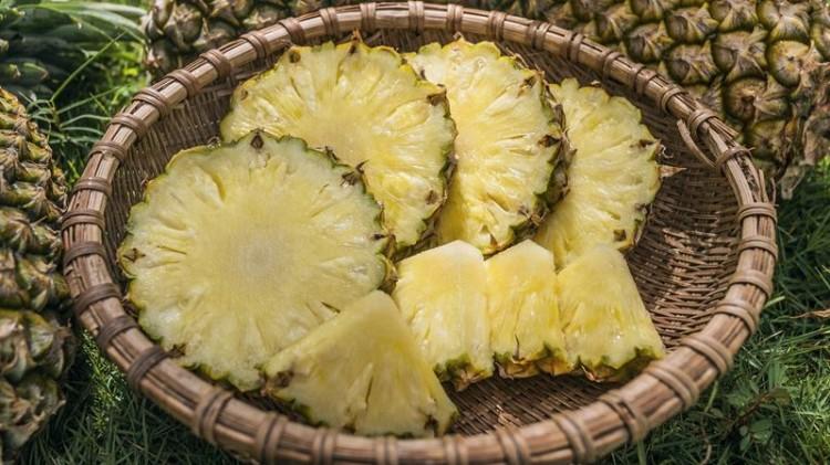 Ananás: combate à celulite e à gordura localizada