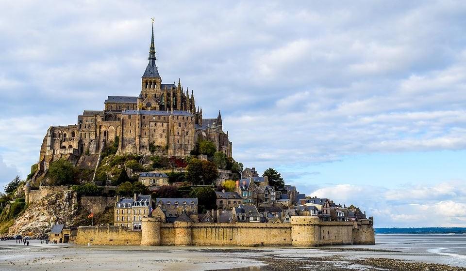 2 - Mont-Saint-Michel, França