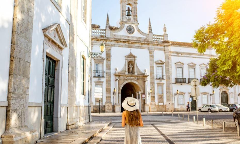 11 - Faro / Fotos: momondo, wikimedia e pixabay