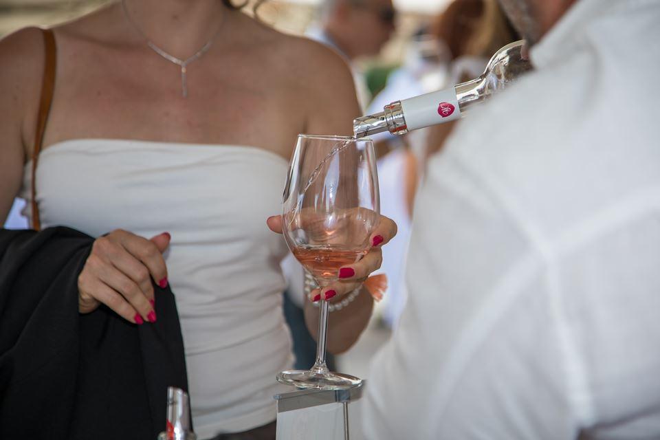 Setúbal veste-se de branco para receber a White Wine Party