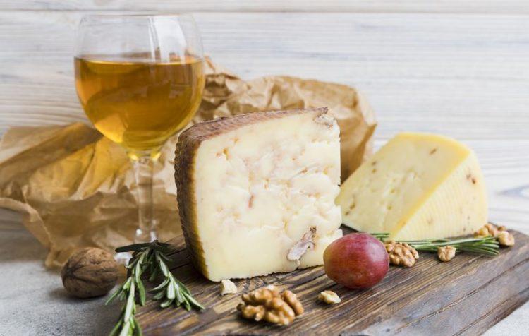 Vinhos e queijos: descubra os pares perfeitos