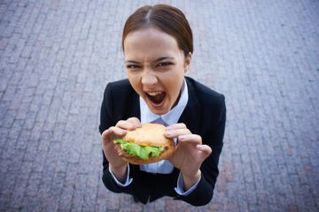 Deixar de fumar abre o apetite? Estudo contradiz teoria