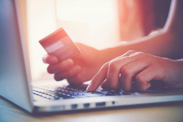 Pagamentos de compras online com cartão de crédito: está a par das novas regras em 2020?