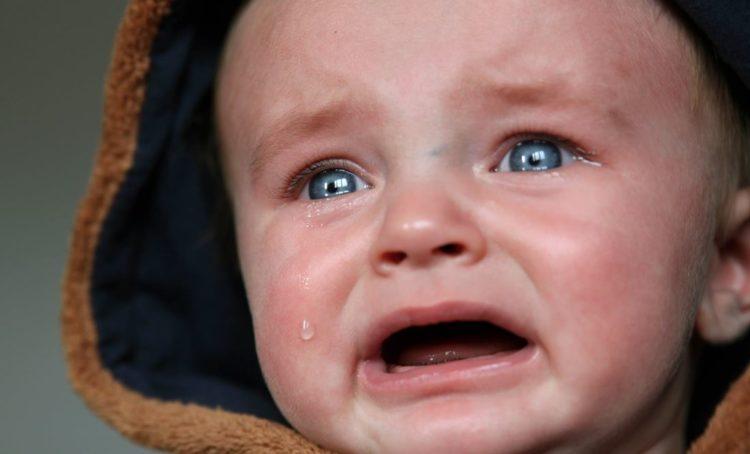 Deixar o bebé chorar não tem efeitos adversos no seu desenvolvimento