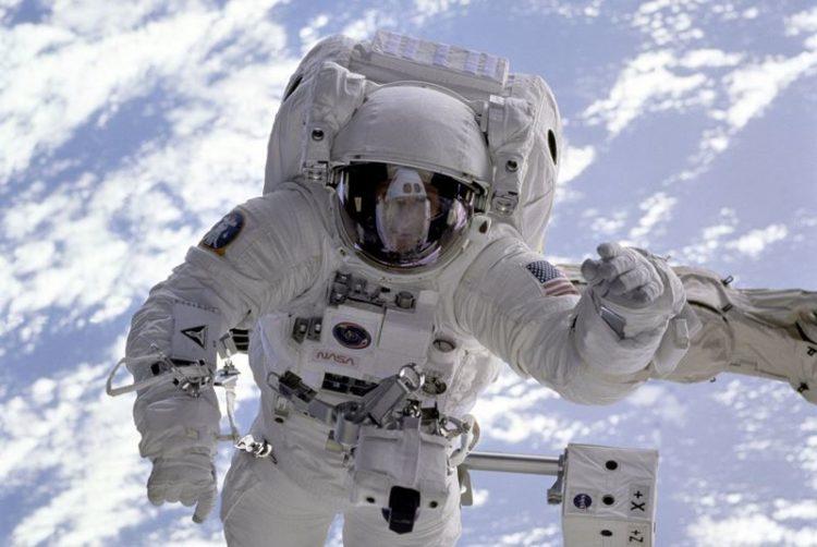 Trabalhar em isolamento: o que os astronautas e os marinheiros nos podem ensinar