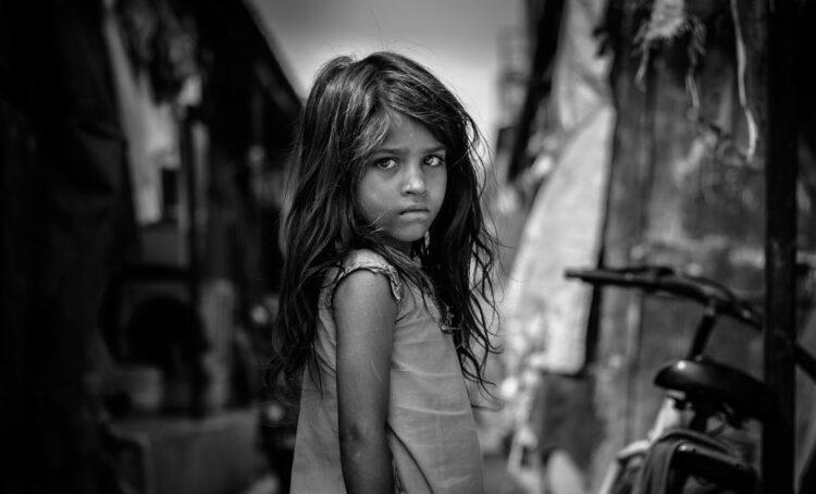 Pobreza extrema aumenta pela primeira vez em 20 anos