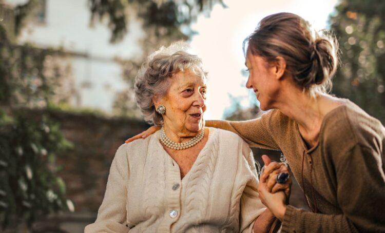 Envelhecimento normal ou patológico? Descubra os sinais de alerta