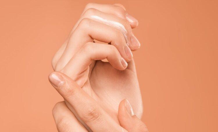 Frieiras e pele seca: os cuidados a ter com a pele no inverno