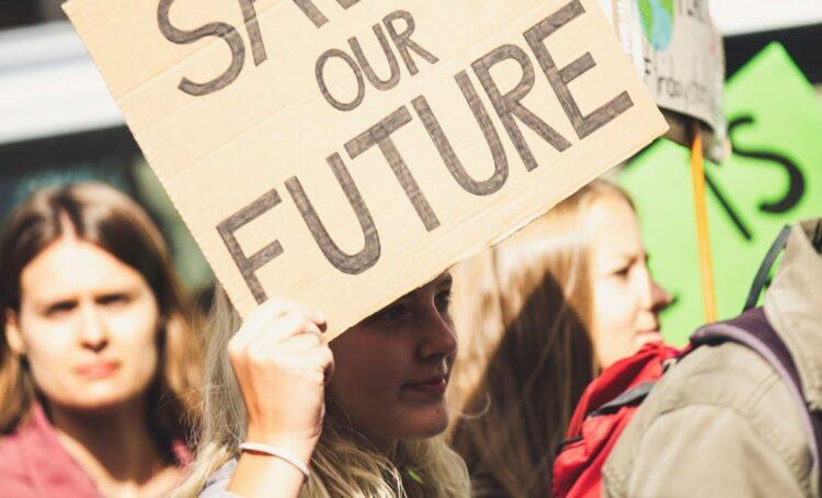 Nova lei do aborto e direitos das mulheres na Polónia em discussão aberta com eurodeputados