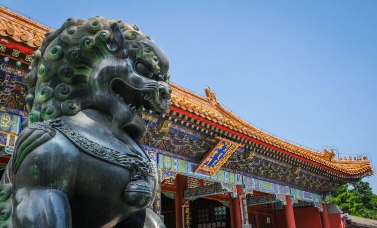 China retalia e impõe sanções a personalidades e instituições europeias por ingerência em assuntos de direitos humanos