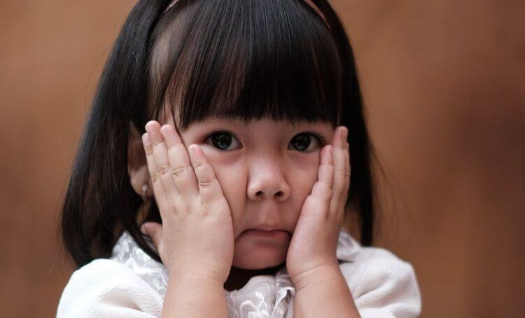 Amnistia Internacional denuncia separação radical entre pais e filhos uigures na China