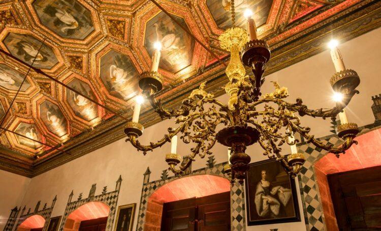 Foto: Sala dos Cisnes no Palacio Nacional de Sintra. Créditos: PSML/LuisDuarte