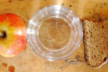 maça água e pão