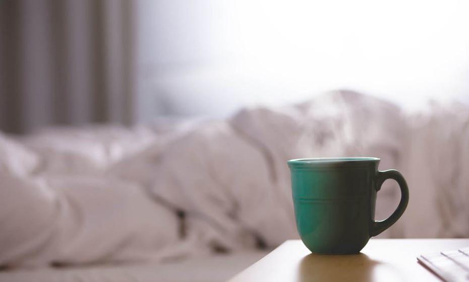 2.Faz dormir melhor - Muitas pessoas sofrem de insónia porque não conseguem desligar-se dos problemas e ter uma boa noite de sono. Masturbar-se antes de dormir ajuda a libertar a tensão.