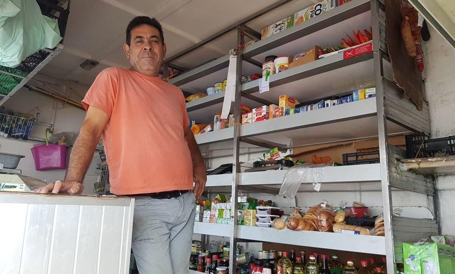 José Cavaco é vendedor ambulante há 23 anos.
