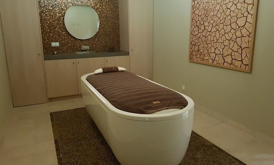 Cama de água aquecida a 40º - uma hora de tratamento corresponde a oito horas de descanso.