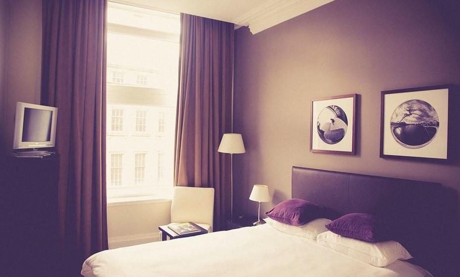 Mantenha o seu quarto a uma temperatura confortável, não muito quente nem muito frio, e o mais silencioso possível.