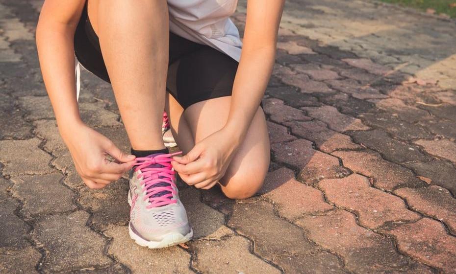 O repolho é uma embalagem de vitamina C, também conhecida como ácido ascórbico, que tem muitos papéis importantes no corpo. É necessária para fazer colagénio, que proporciona estrutura e flexibilidade à pele e é crítico para o bom funcionamento dos ossos, músculos e vasos sanguíneos. A vitamina C ajuda o corpo a absorver o ferro e é um poderoso antioxidante. Na verdade, tem sido amplamente pesquisada pelas suas potenciais qualidades de combate ao cancro.