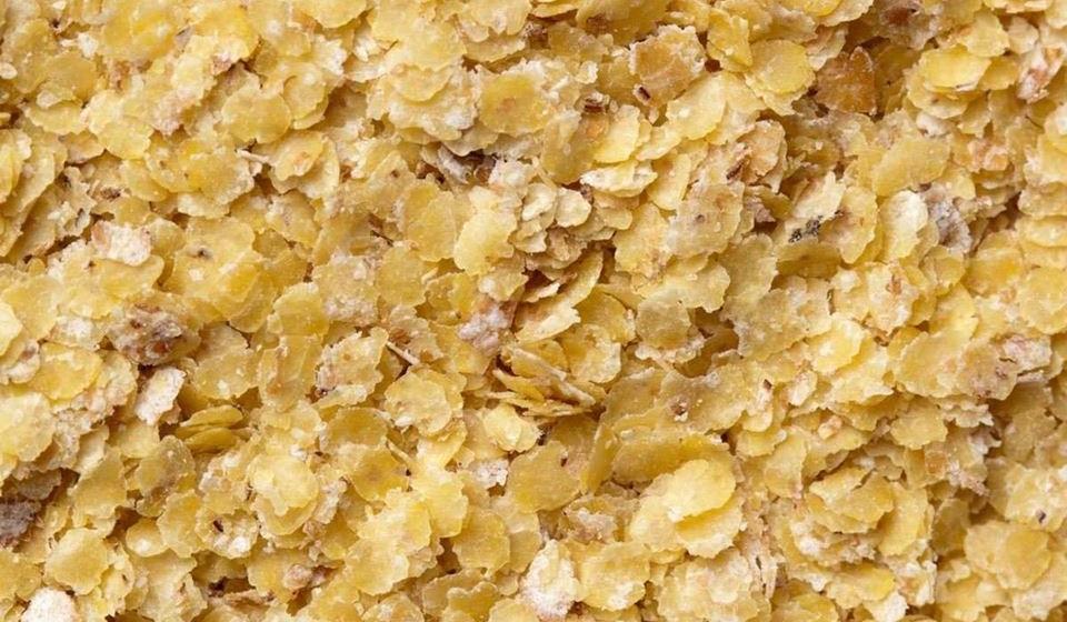 Gérmen de trigo – esta parte nobre do trigo ajuda a alisar a pele. É rico em selénico e zinco, dois importantes minerais antirrugas. É também uma fonte bastante concentrada de vitamina B6 que promove a absorção de zinco pelos intestinos. Além disso, é uma das melhores fontes dietéticas de vitamina E, o que é crucial para uma pele bonita. Também é uma excelente fonte de coenzima Q10 e de proteína.