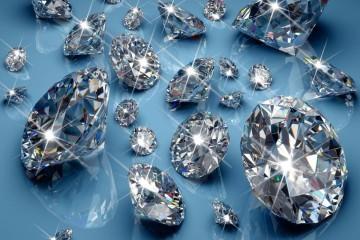 É a pedra mais dura que existe na natureza, cujo nome vem do grego 'adamas', que significa indestrutível. A sua beleza e raridade faz com que seja a pedra mais desejada do mundo. Mas, afinal, o que determina o valor de um diamante? Fomos saber um pouco mais no Museu do Diamante, em Amesterdão, na Holanda.