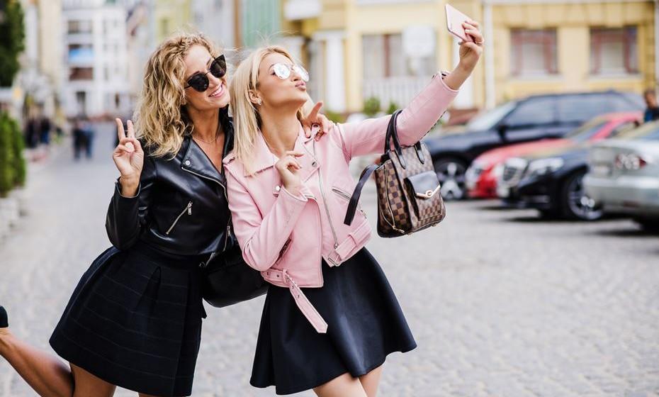 De seguida, veja 11 formas de como a roupa pode dar uma ajuda na confiança.